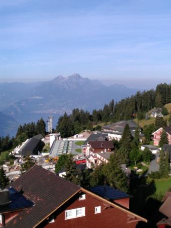 Hotel Bergsonne: Out the window