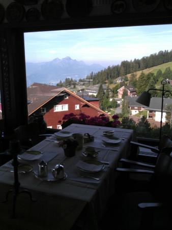 Hotel Bergsonne: The breakfast view