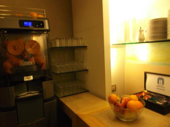 Hotel Melinda : Grande centrifugeuse (orange)