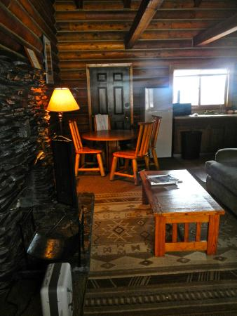Cooper Spur Mountain Resort : inside the cabin