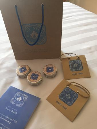 Blue Stone Botanicals: All natural products n cute eco-friendly packaging :)