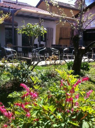 Restaurant le garage saint tienne de crossey for Garage 4x4 saint sauves d auvergne