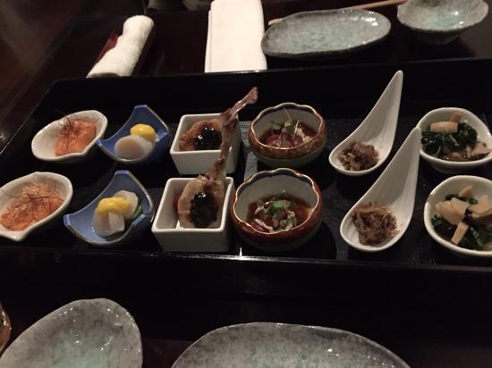 Hanabishi Japanese Restaurant: Starter plate ... yummmm