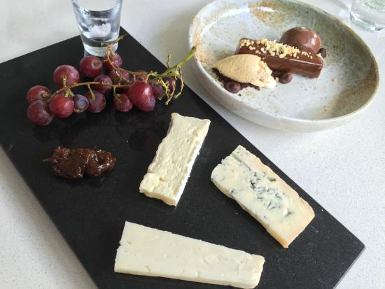 Bracu: Selection of three cheeses - yum!