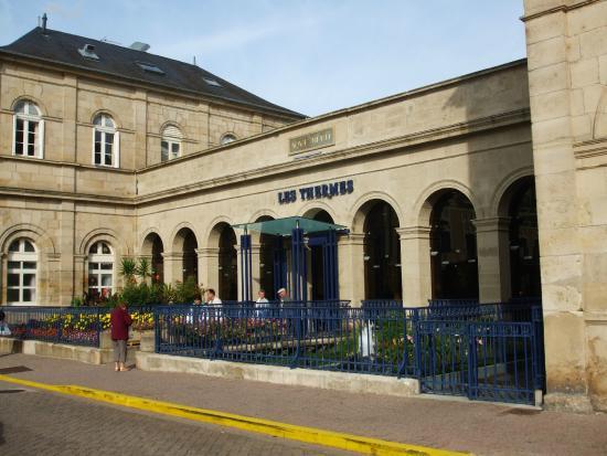 Les thermes neris les bains allier tripadvisor for R s bains pharmacy