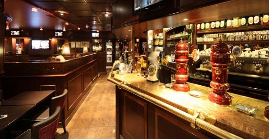 Un cadre pub moderne photo de l 39 avenue maisons laffitte tripadvisor - Cosy maison laffitte ...