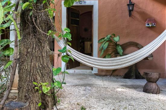 Hotel Casa de las Flores Playa del Carmen: Devant notre chambre