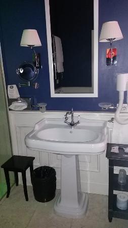 Hotel Bologna : bagno bello spazioso
