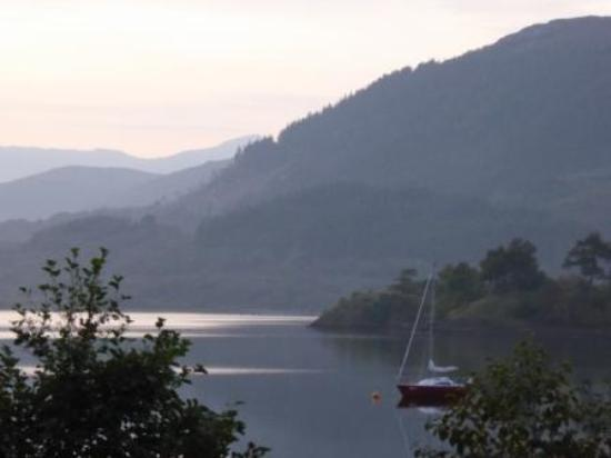 Lios Mhoire Bed and Breakfast : View of Loch Leven