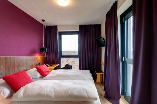 meininger hotel frankfurt main airport francfort allemagne voir les tarifs et 36 avis. Black Bedroom Furniture Sets. Home Design Ideas