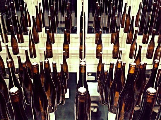 Hotel Bonvino Wine and Spa Badacsony: bottle-deco