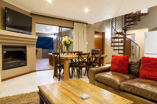6 Sleeper Open Plan Lounge Kitchen Dining Room Picture Of Stonehill River Lodge Swellendam Tripadvisor