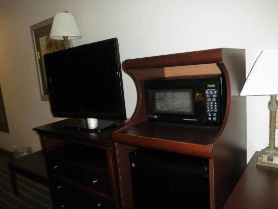 Hampton Inn Melbourne : flat screen tv-microwave