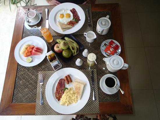 Pradha Villas: Inclusive breakfast