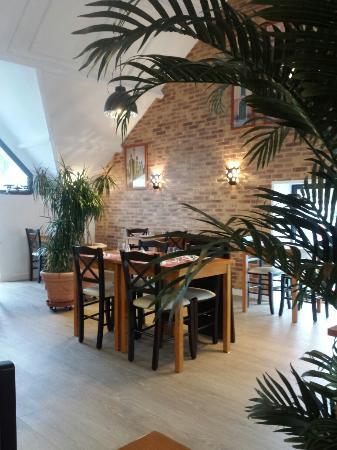 "Salle du restaurant ""les oliviers"""