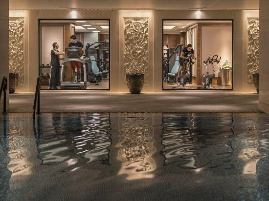 Shangri-La Bosphorus, Istanbul: Indoor Swimming Pool