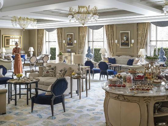 Shangri-La Bosphorus, Istanbul: Lobby Lounge Afternoon Tea Buffet