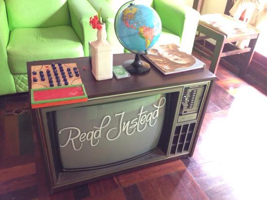 Mango Tree Hostel Bar: Lobby