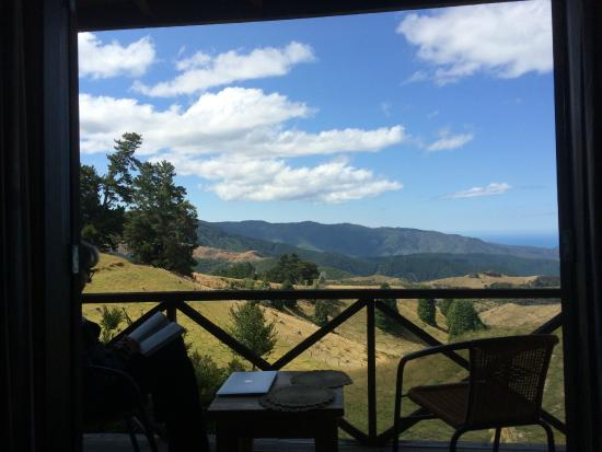 Kairuru, New Zealand: View from the front porch