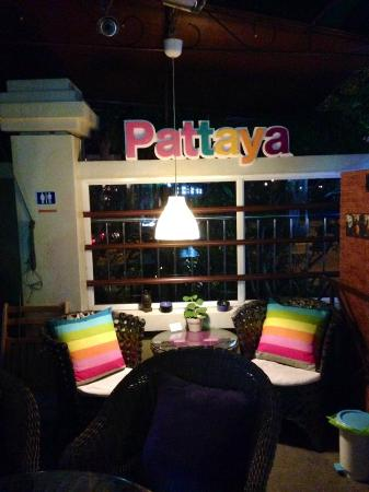 Aromdee Apartments: Coffe shop Bar
