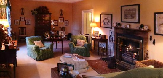 Ballymote Country House: A warm and inviting living room with roaring fire!