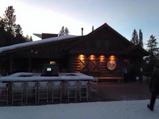 The Ice Bar at Uley's Cabin: Ice bar and restaurant