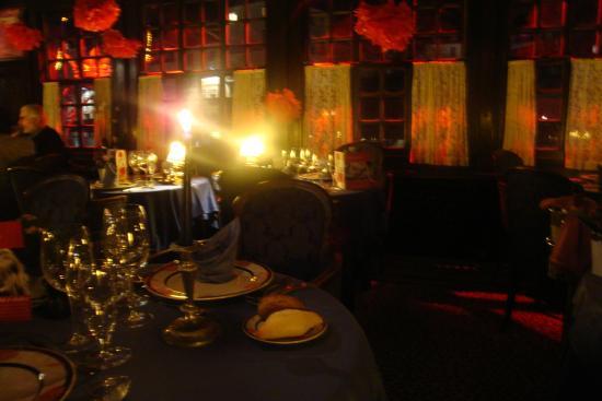 Belle déco pour la St Valentin - Picture of Restaurant La Couronne ...
