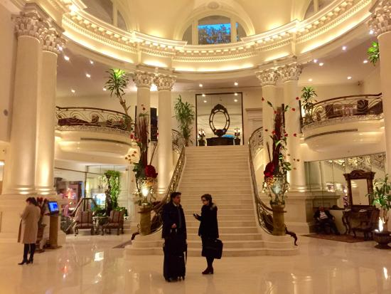 Foyer And Entrance Of The Windsor Hotel : The classic entrance reception hall of hotel
