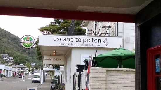 Escape to Picton Boutique Hotel: 2nd story patio outside our room!