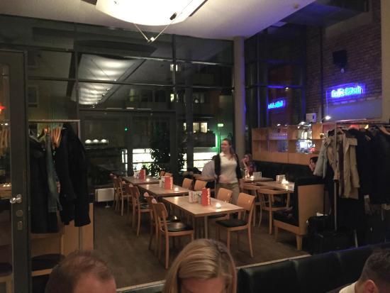 der linke vordere restaurant-innenraum - bild von maybach, köln