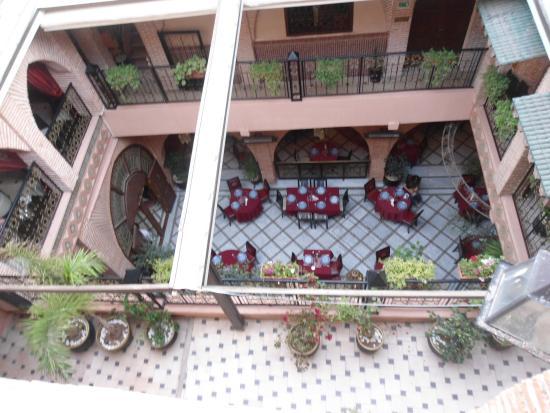 Riad & Spa Mabrouk: Patio Central