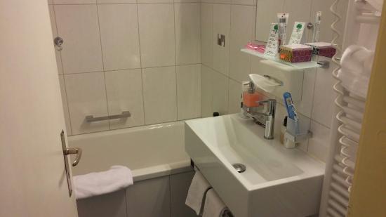 Hotel-Restaurant Bellevue: Badezimmer