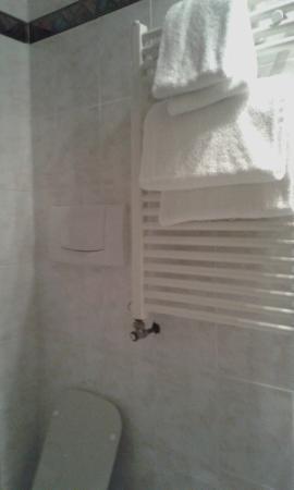 Hotel Archimede: ванная