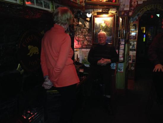 Eugene's Bar: Lovely friendly locals. Best pub best banter :)