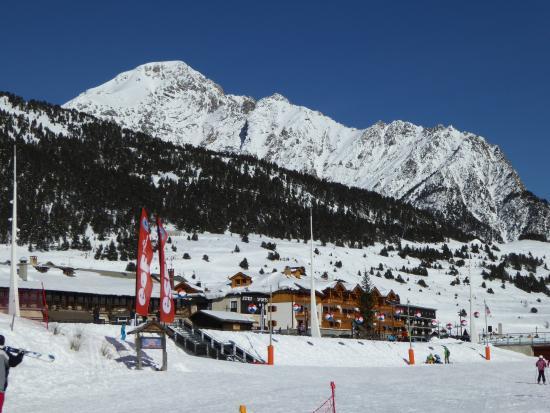 Montgenevre Ski Resort: slopes above the town centre