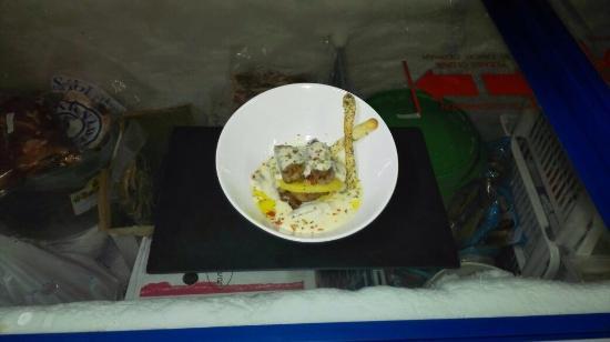 RESTAURANTE EL ANCLA: MIlhoja de solomillo ibérico patatas y queso