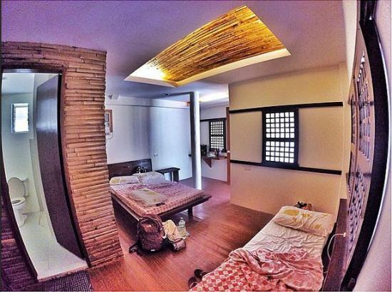 Kota Beach Resort: Room for 4