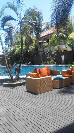 Best Western Resort Kuta: pool area