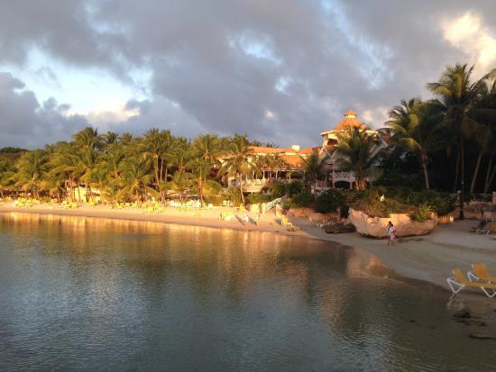 Coco Reef Resort & Spa Tobago: Lagoon/beach view
