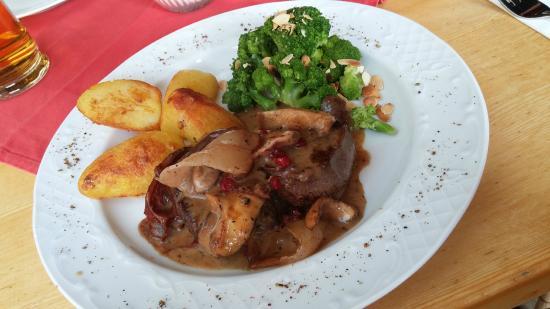 Wirtshaus Nattererboden: Filetto di cervo con mirtilli rossi