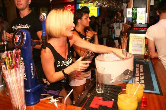 The Highlander Scottish Bar Ibiza: Busy night last summer...