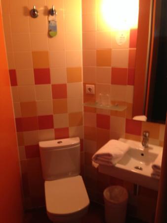 B&B Hotel Barcelona Mollet : Baño