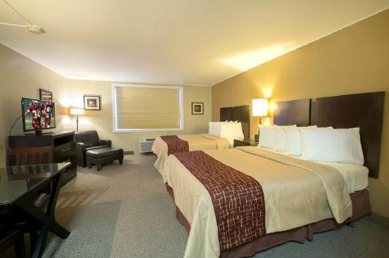 Red Roof Inn & Suites Herkimer: Double Suite