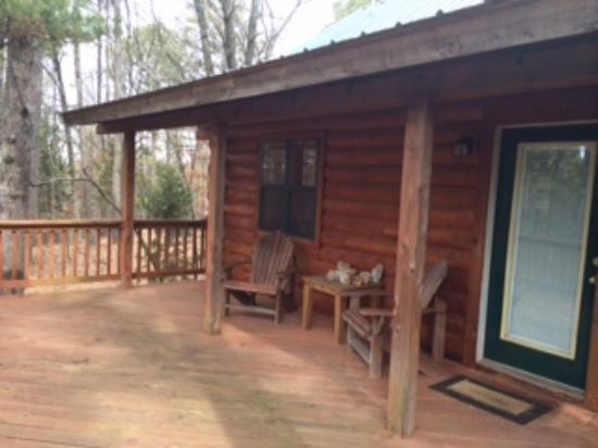 Cabin Fever Resort: Back deck