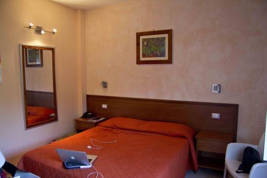 Hotel Bellavista: Bett