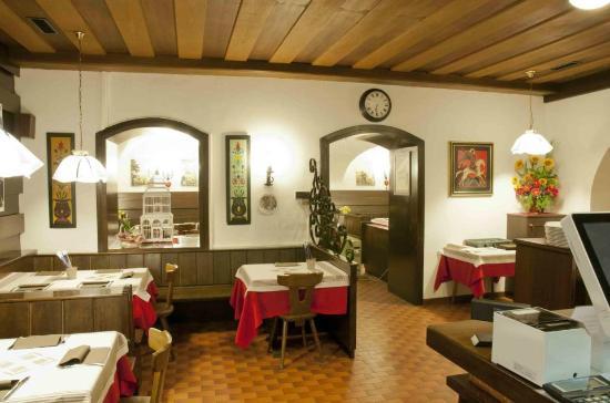 Pizzeria Taverna Roma