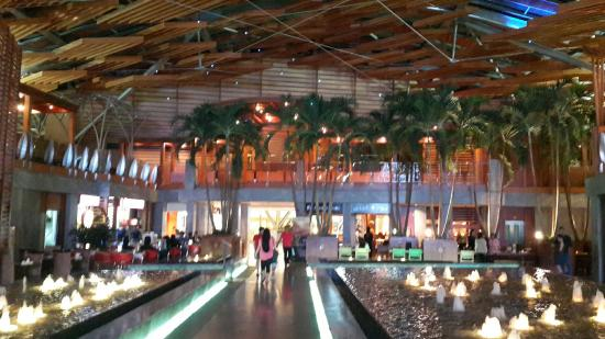 Burjuman Centre Food Court