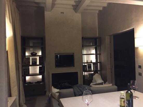 Domux Home Repubblica Luxury Apartment: Soggiorno suite Opera