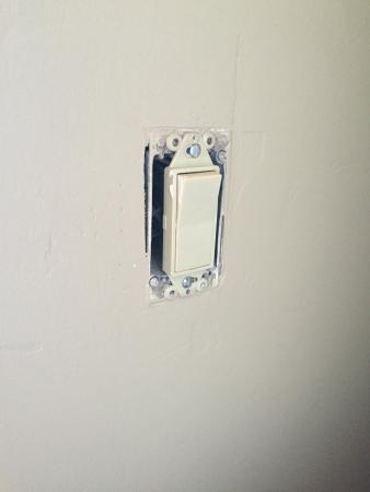 Snowblaze Condominiums : Light switch #202