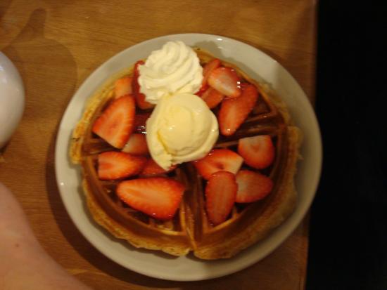 Cafe Mbriki: Waffle